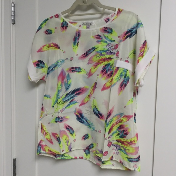 SingWing Tops - Feather Top Short Sleeve Multicolored